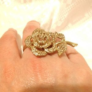 Jewelry - Double-finger gold rose ring